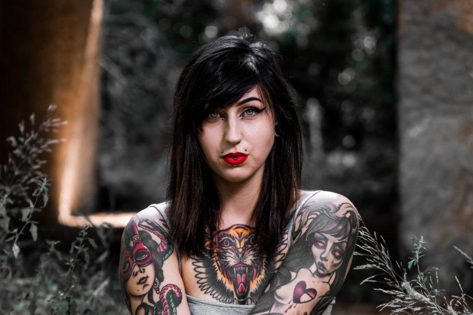 Portraits girl with tatoos Pavela Digital